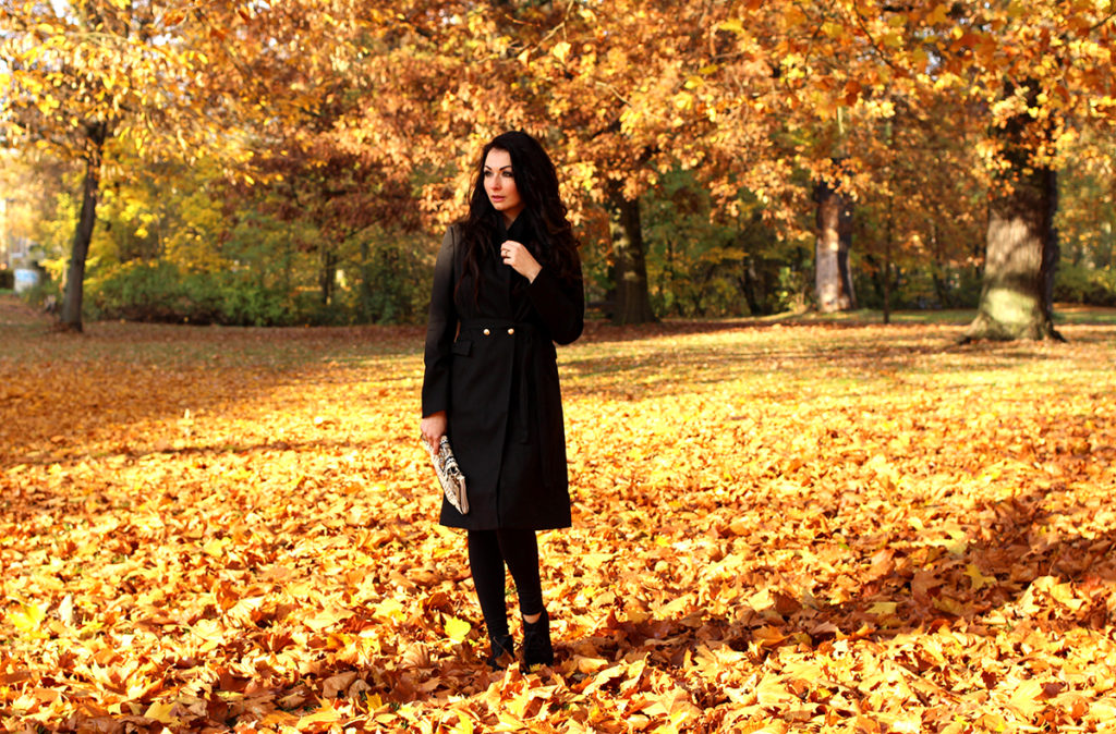 BLACK COAT OUTFIT OF THE DAY FASHION CONFESSION BY ELIZA ARMAND, FASHION BLOGGER, BEAUTY BLOGGER, MAKEUPBLOGGER, SKINCARE www.fashion-confession.com